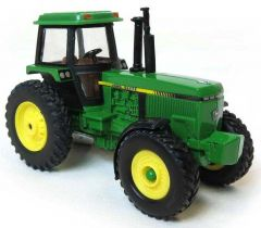 Collect N Play John Deere Tractor With Cab And Mfd 1/64TH
